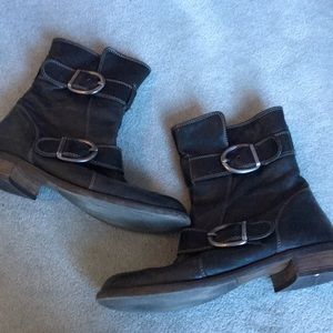 Paul green black leather buckle boots!